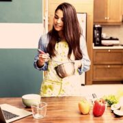 Cooking as a Side Hustle : Easy Money Making Jobs You Can Start Today